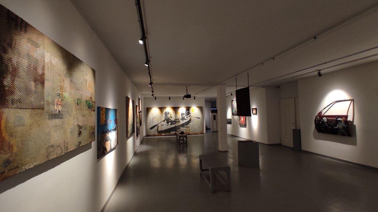 """روایت امیر سماوات از نمایشگاه """"دو مایل مانده به مریخ"""""""