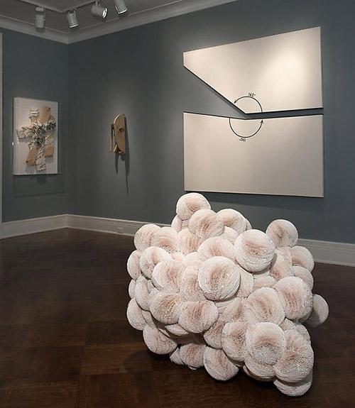 گزارش تصویری نمایشگاه چیدمان با عنوان سفید در گالری Dickinson نیویورک